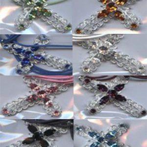 Cruz con cristales de swarovski y cordon
