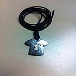Camiseta de acero inox. con Tau